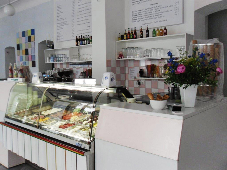 Fräulein Frost interior Eisdiele Berlin