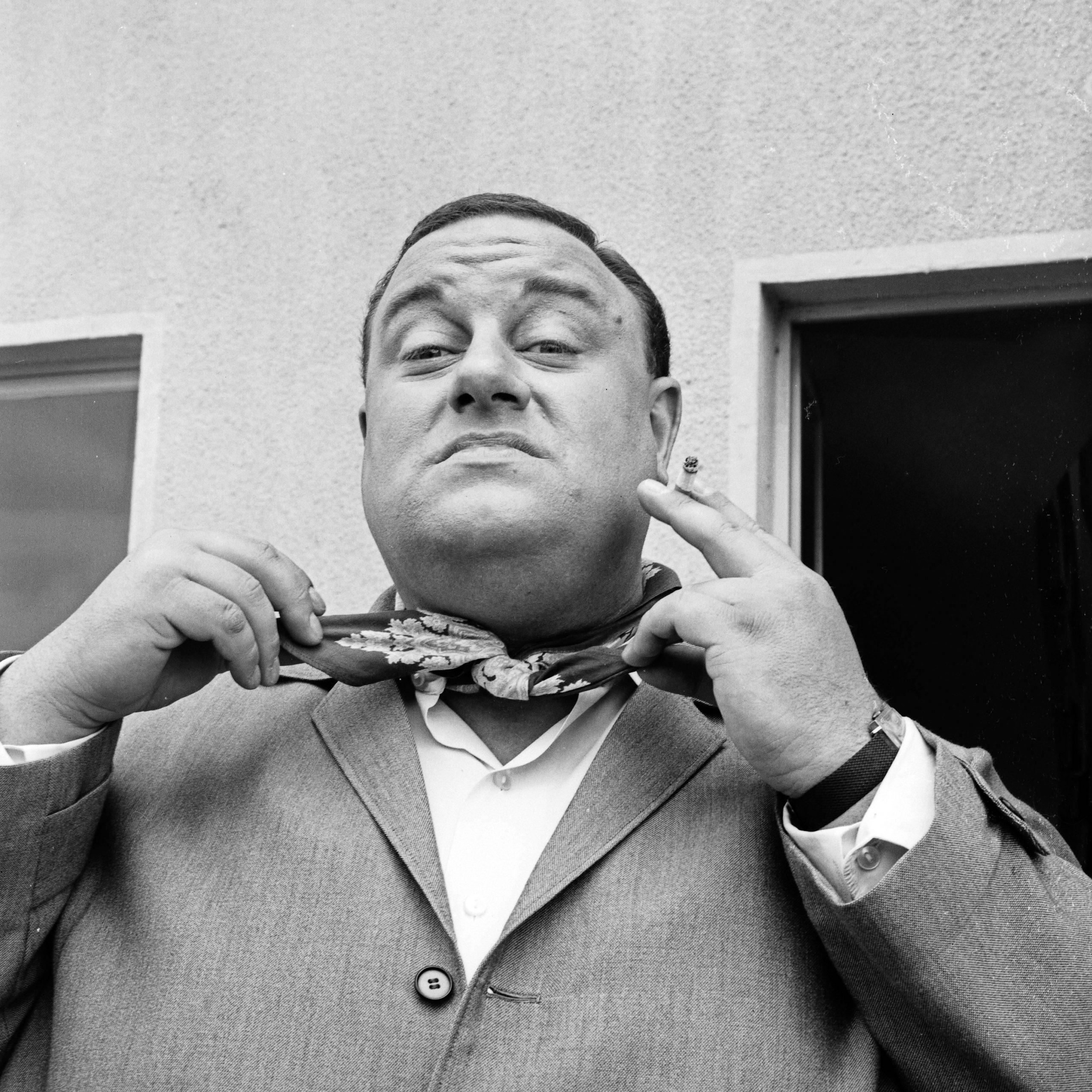 Der Sänger, Komponist und Schauspieler Jean Thome als Graf Kacke.