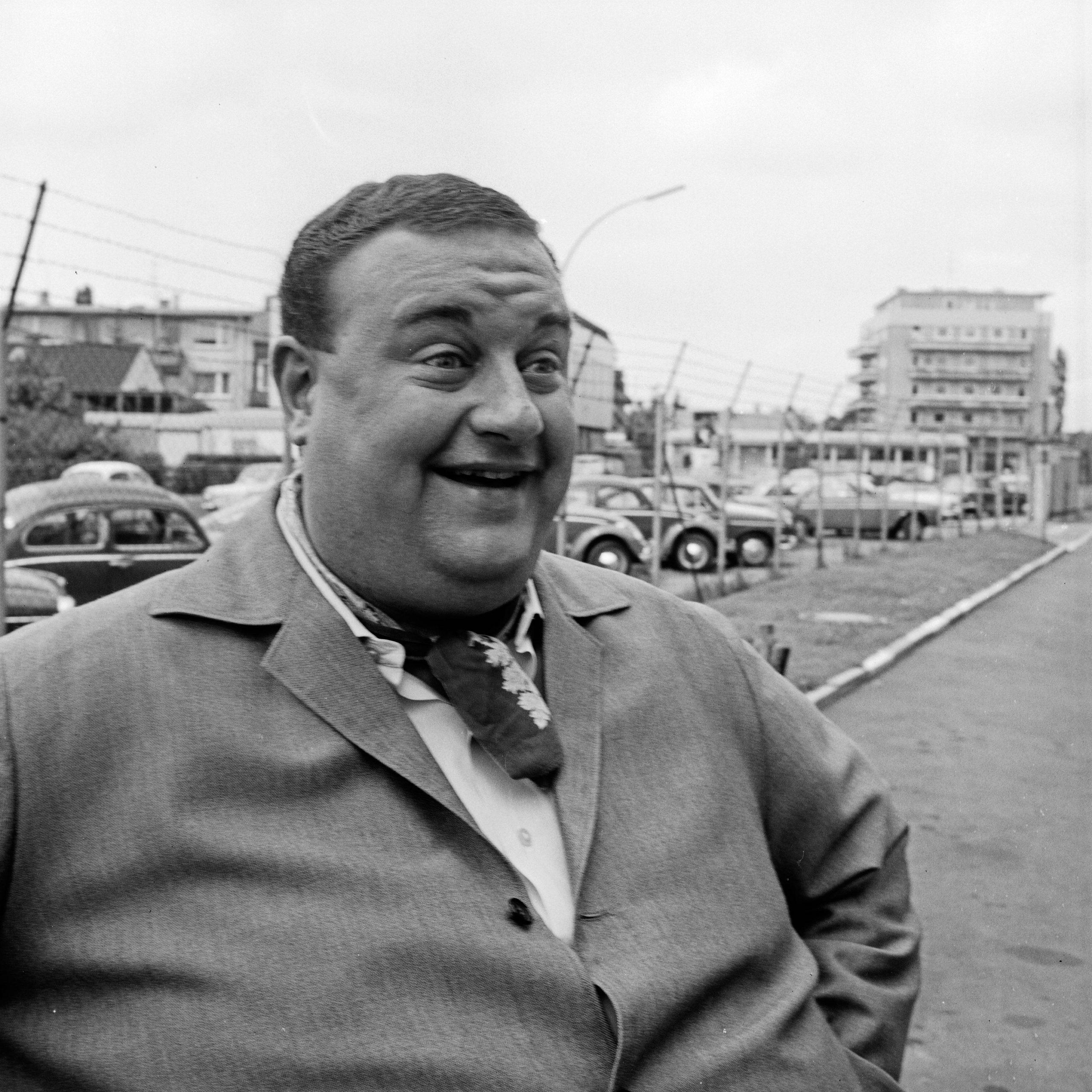 Der Sänger, Komponist und Schauspieler Jean Thome als Fatzke.
