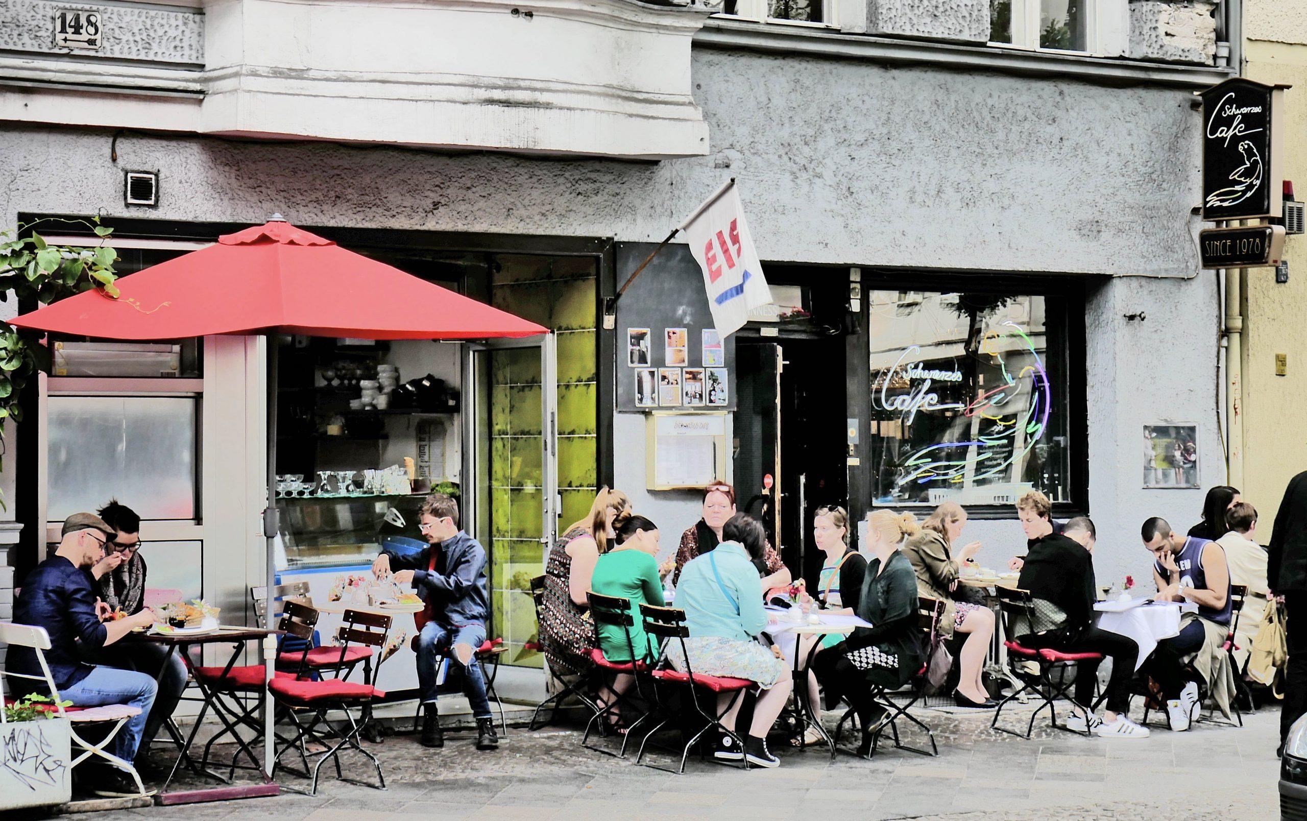 Auch das Schwarze Café in der Kantstraße ist von der Corona-Krise betroffen.