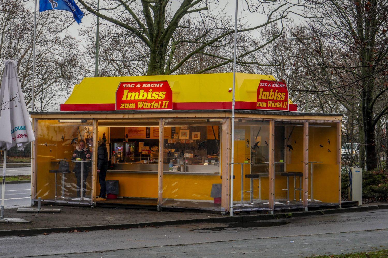 Currywurst in Berlin: Zum Würfel II.
