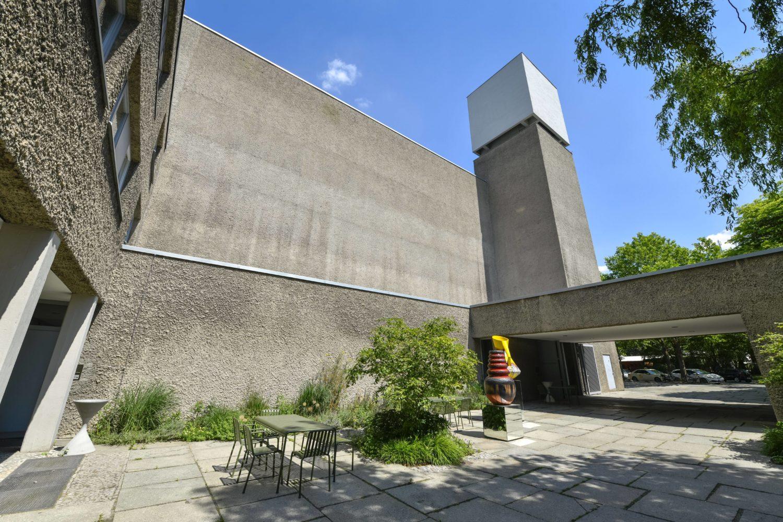 Beton und Brutalismus in Berlin: König Galerie in der Kirche St. Agnes in, Kreuzberg.