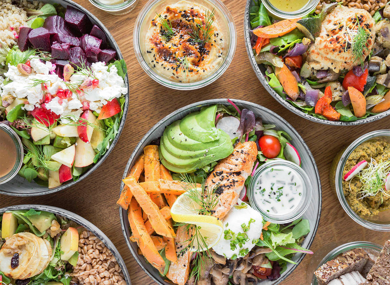 Salat, verschieden interpretiert, bei Fechtner in Berlin