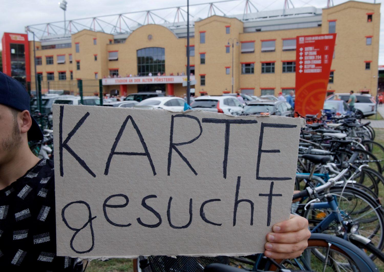 Wer nicht rechtzeitig ein Ticket gebucht hat, hat bei der Gestaltung seiner Freizeit in Berlin das Nachsehen. Foto: imago images/Camera 4