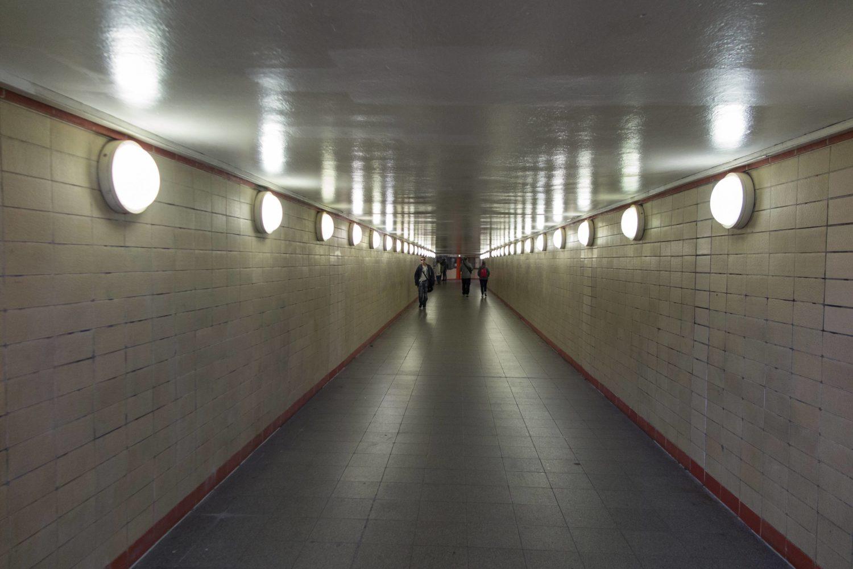 Tunnel in Berlin: Fußgängertunnel im S-Bahnhof Nordbahnhof.