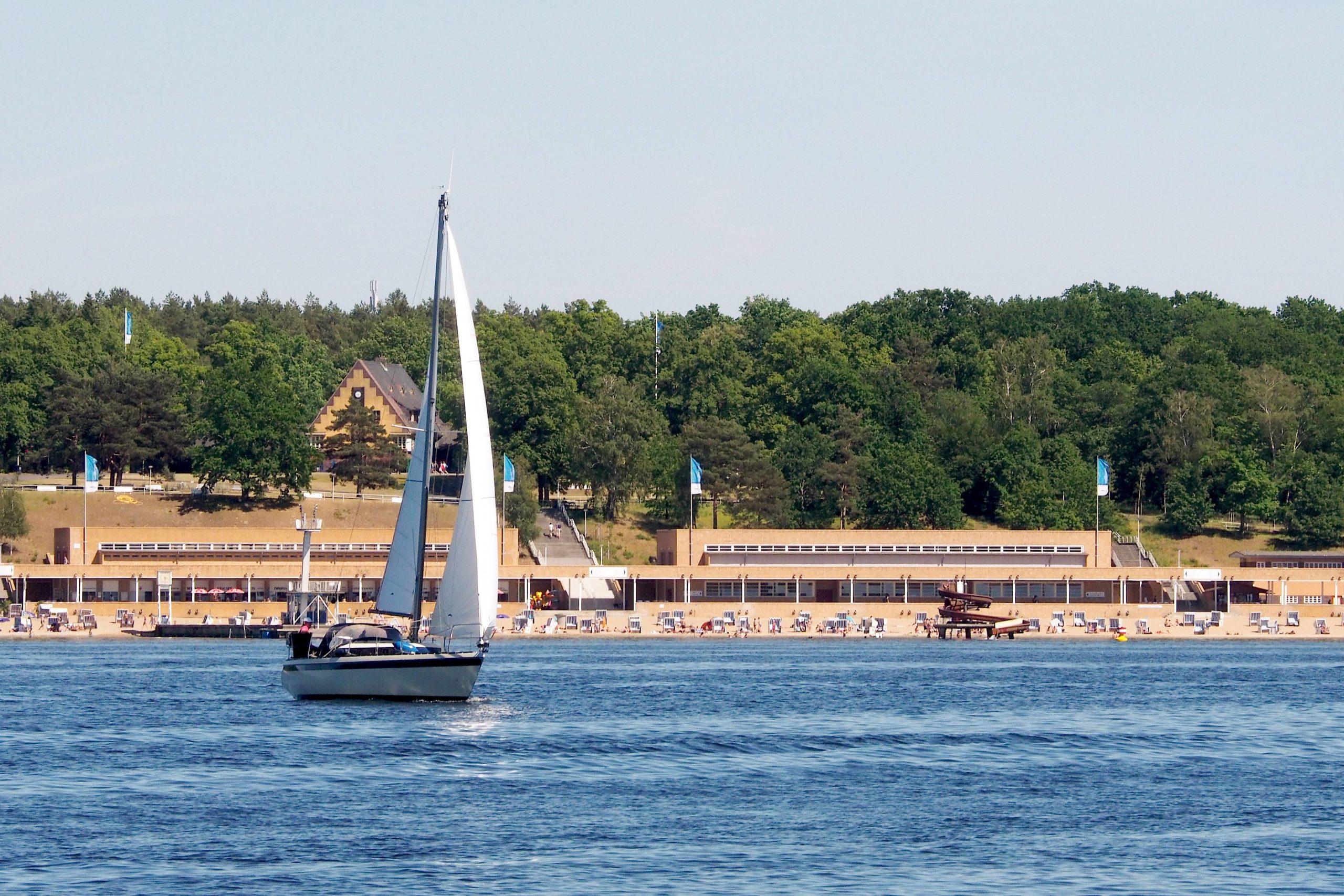 Der Klassiker unter den Berliner Strandbädern: der Wannsee. Foto: Imago/Tom Maelsa