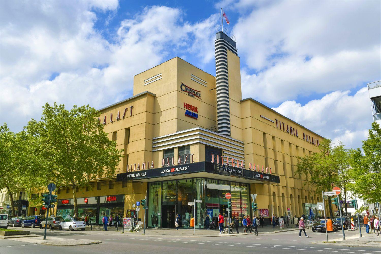 Der Titania-Palast ist eines der wenigen verbliebenen Berliner Kinos aus den Anfängen des Tonfilms.   Foto: Imago/Schöning