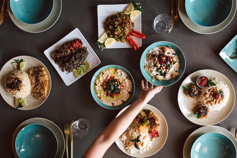 Ein Foto aus anderen Tagen: das Restaurant Kreuzberger Himmel servierte arabische Spitzenküche und bot Geflüchteten neue Perspektiven.