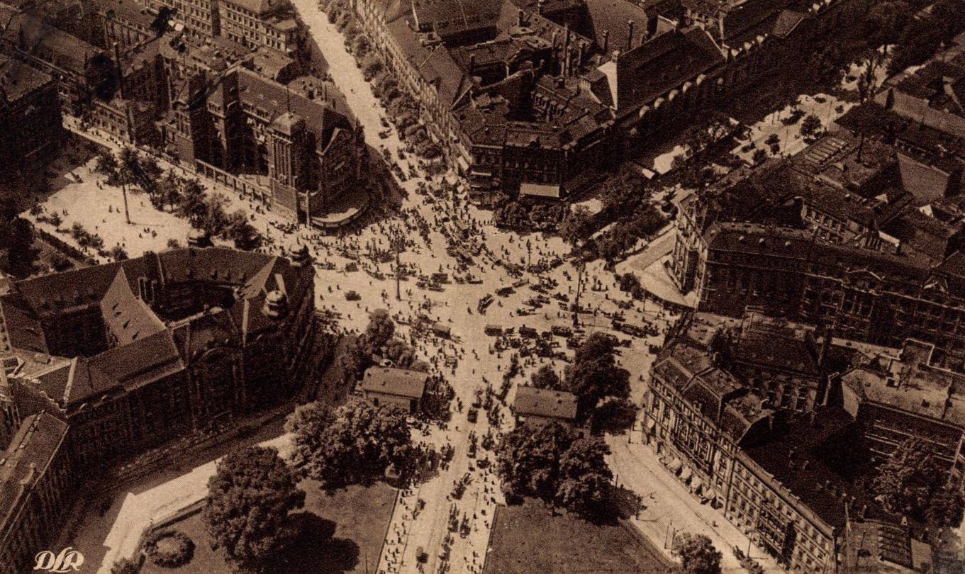 Fliegeraufnahme vom Potsdamer Platz, Ende der 1930er-Jahre. Foto: Imago/Arkivi