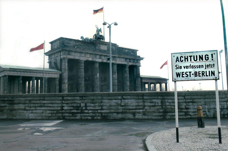 Das Brandenburger Tor im Jahr 1983.