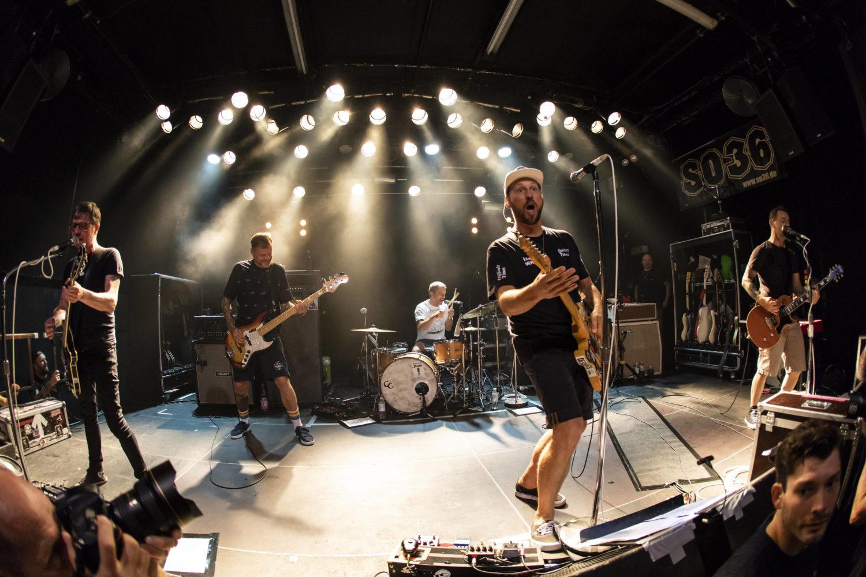 """Die Beatsteaks bei einem Auftritt im SO36. """"Monotonie"""" heißt ihre neue Single. Foto: Imago Images/POP-Eye"""