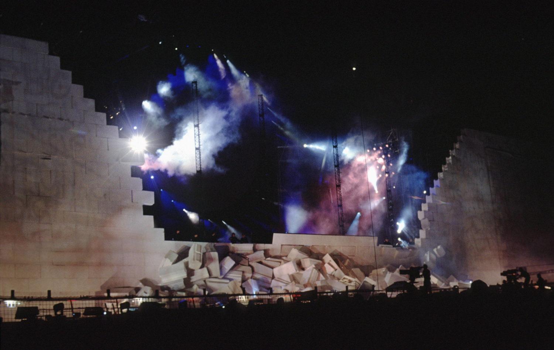 """Roger Waters spektakuläres Open-Air-Konzert """"The Wall"""" am Potsdamer Platz, 21. Juli 1990. Foto: Imago/BRIGANI-ART"""