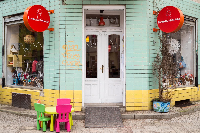 Kinderläden Berlin: Der Limonadenbaum ist ein liebevoll geführter Laden für Baby- und Kinderbedarf im Reuterkiez.