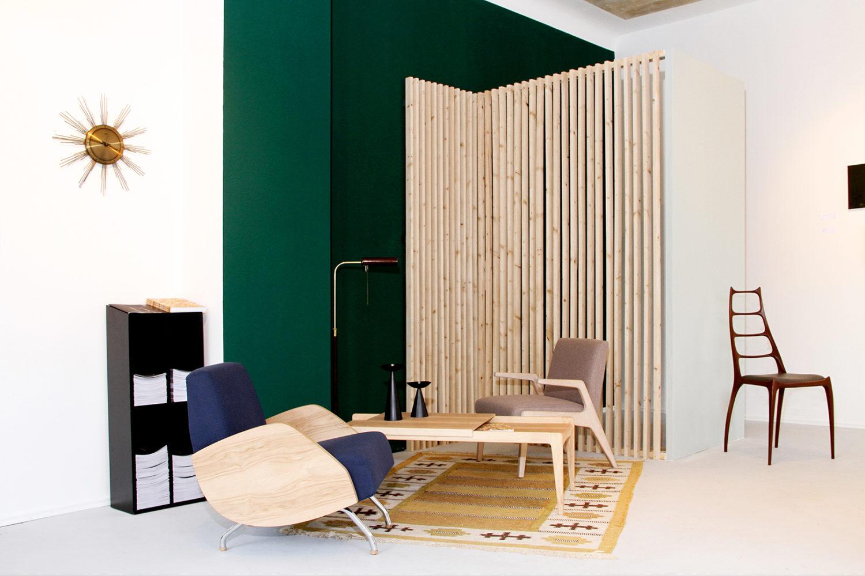 Vintage Möbel Berlin Politura verkauft nicht nur Re-Editionen von Vintage-Klassikern, sondern verleiht auf Wunsch auch alten Möbeln neuen Glanz.