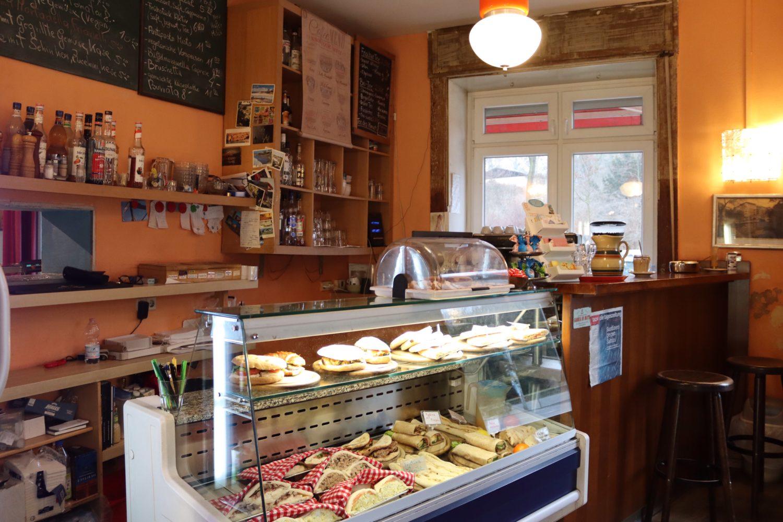 Vereinszimmer Lo Spazio - Kaffeegenuss wie in Italien, allerdings am Fuße des Kreuzbergs. Foto: Bar Vereinszimmer
