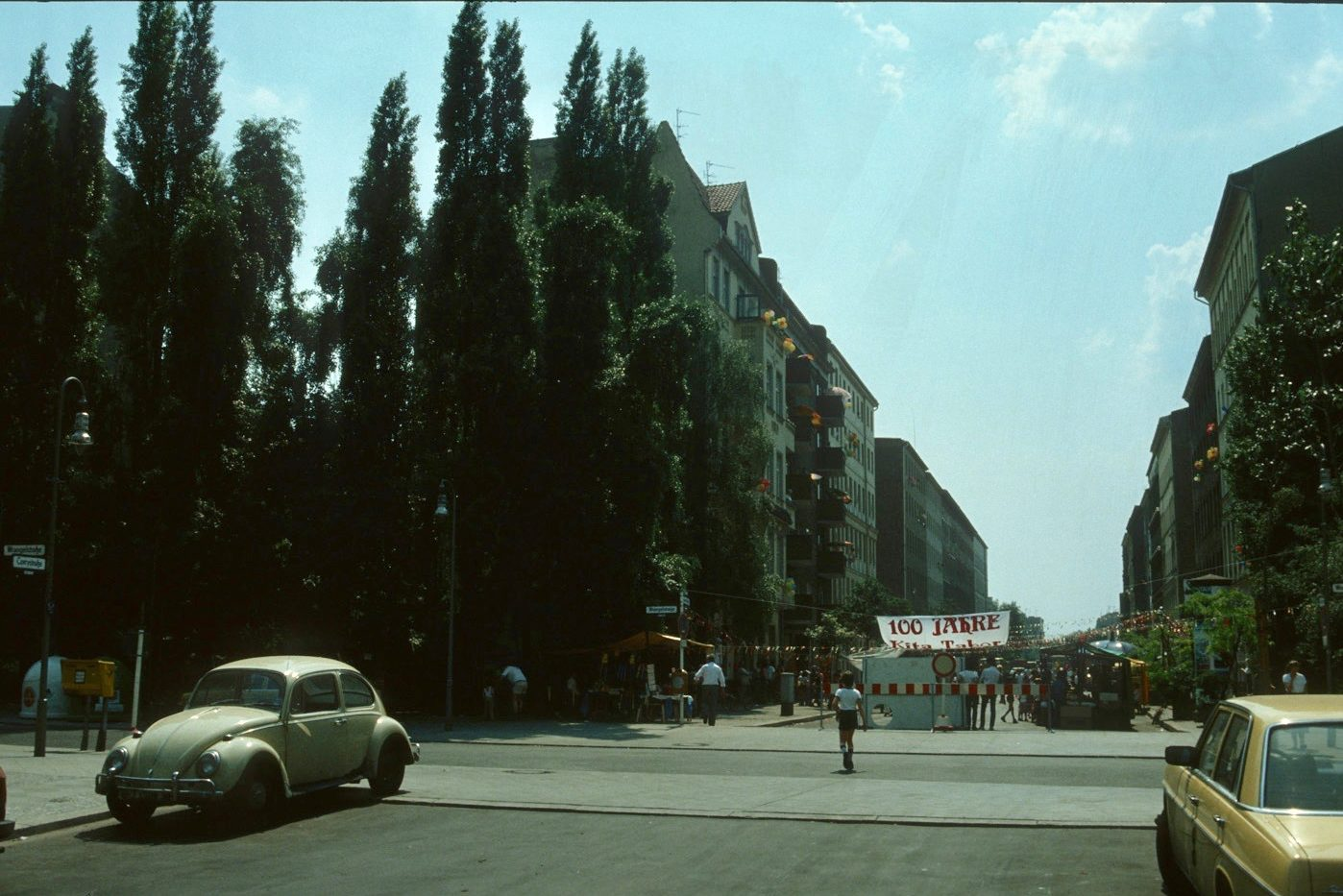 Kreuzberg in den 1980er-Jahren: Demo in der Wrangelstraße, 1982. Foto: Kostas Kouvelis/FHXB Friedrichshain-Kreuzberg Museum/CC BY 4.0