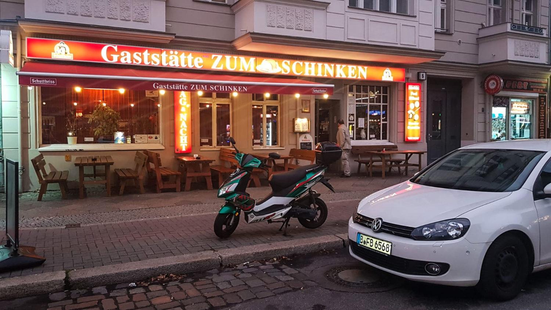 Kneipe Berlin In der Kneipe zum Schinken im Sprengelkiez herrscht eine authentische Kneipenatmosphäre.