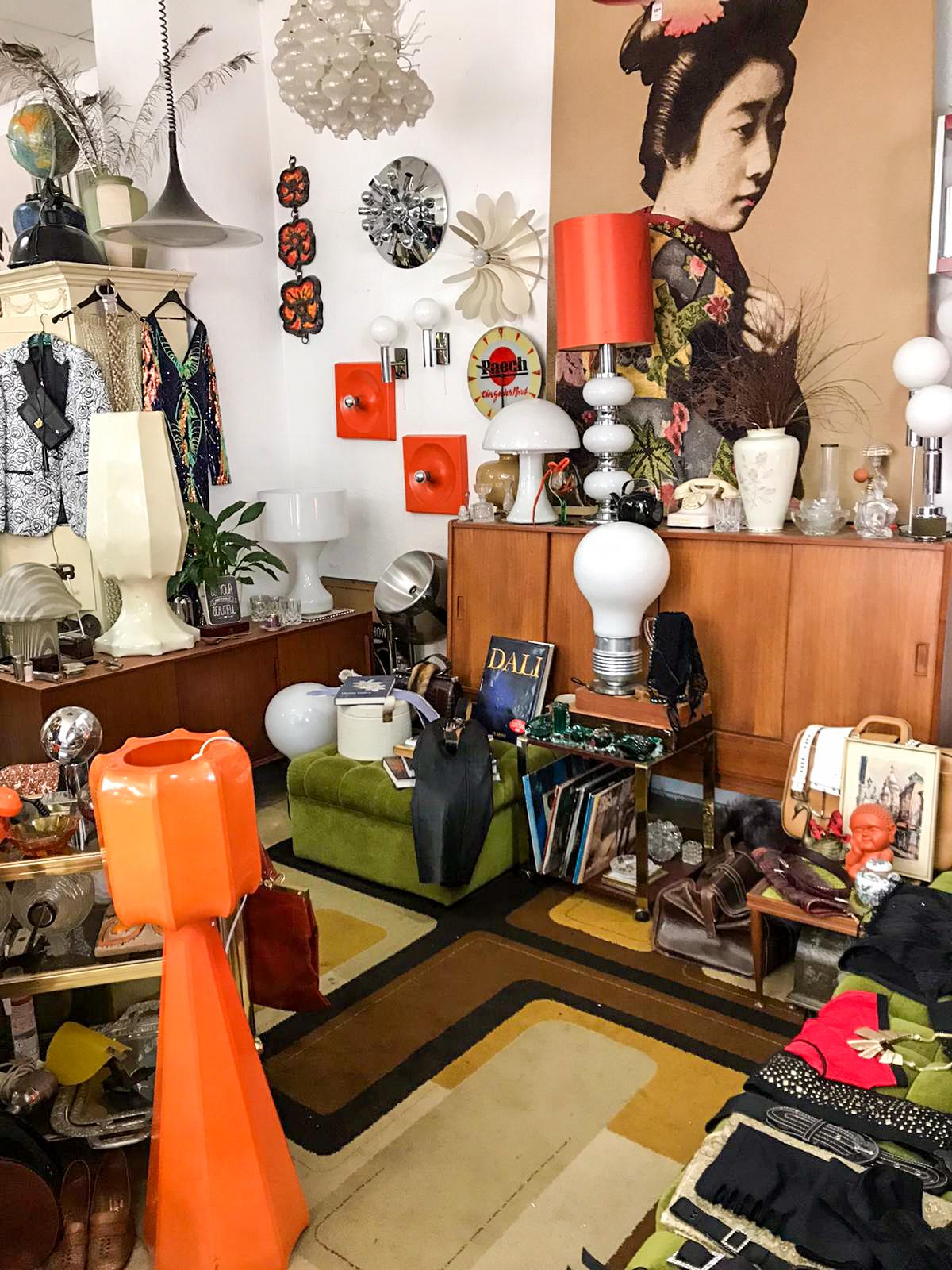 Vintage Möbel Berlin O.F.T - Ohne Frage toll ist eine ganz besondere Adresse für Vintage-Mobiliar auf der Chausseestraße.