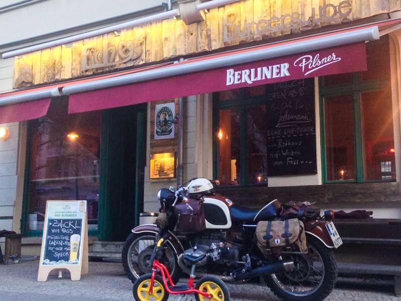 Kneipe Berlin Die Eiche ist eine gute Adresse für ein gepflegtes Bier in Pankow.
