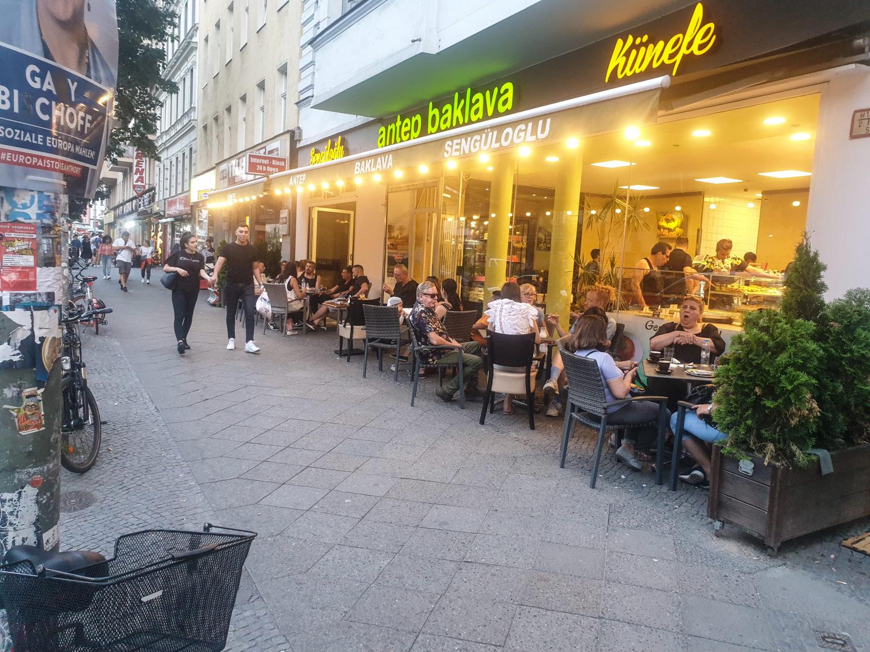 Baklava Berlin Antep baklava Sengüloğlu macht das beste Künefe Berlins.