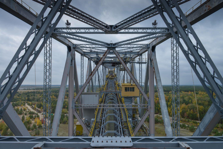 Adrenalin Berlin: Diese 12 Aktivitäten holen euch aus dem Herbst-Trott: Die größte bewegliche Maschine der Welt im Tagebau.
