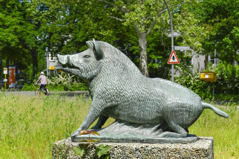 Statuen in Berlin: Bronzeplastik Wilder Eber von Paul Gruson. Foto: Imago/Schöning