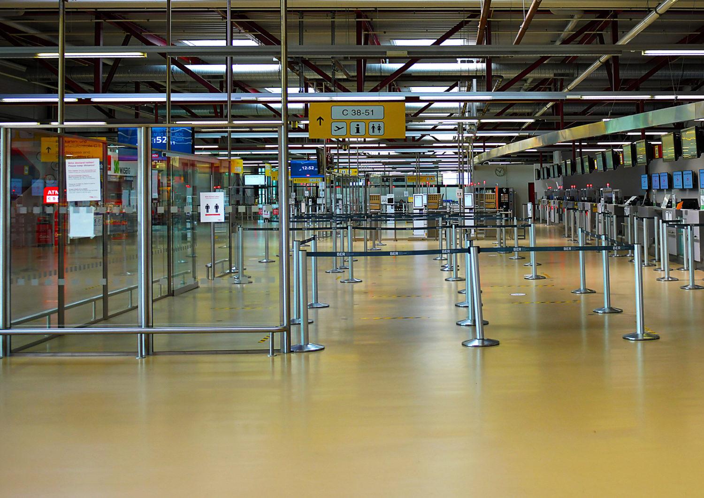 Die meisten Check-Ins am Flughafen Tegel bleiben unbesetzt während des Lockdowns. Foto: Imago Images/Jan Huebner
