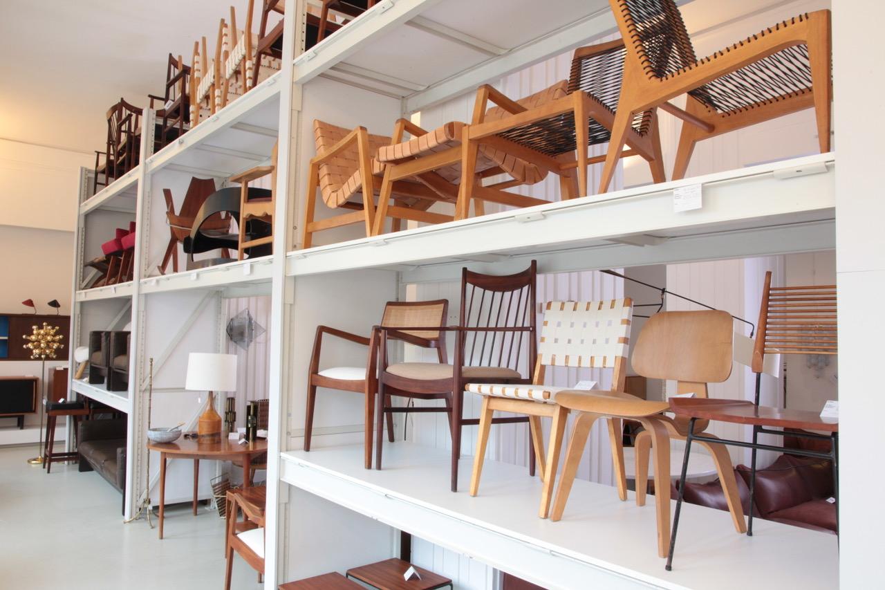 Vintage Möbel Berlin Original in Berlin hat eine große Auswahl an Vintage-Möbeln und Dekorationsgegenständen zu bieten.