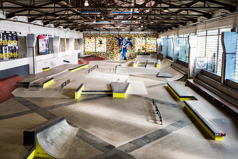 Adrenalin Berlin: Diese 12 Aktivitäten holen euch aus dem Herbst-Trott: Stunts in Skatehalle