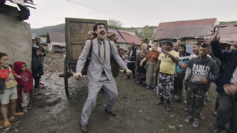 """An den Wahnsinn in """"Borat Anschluss Moviefilm"""" hat man sich längst gewöhnt. Foto: Courtesy of Amazon Studios"""