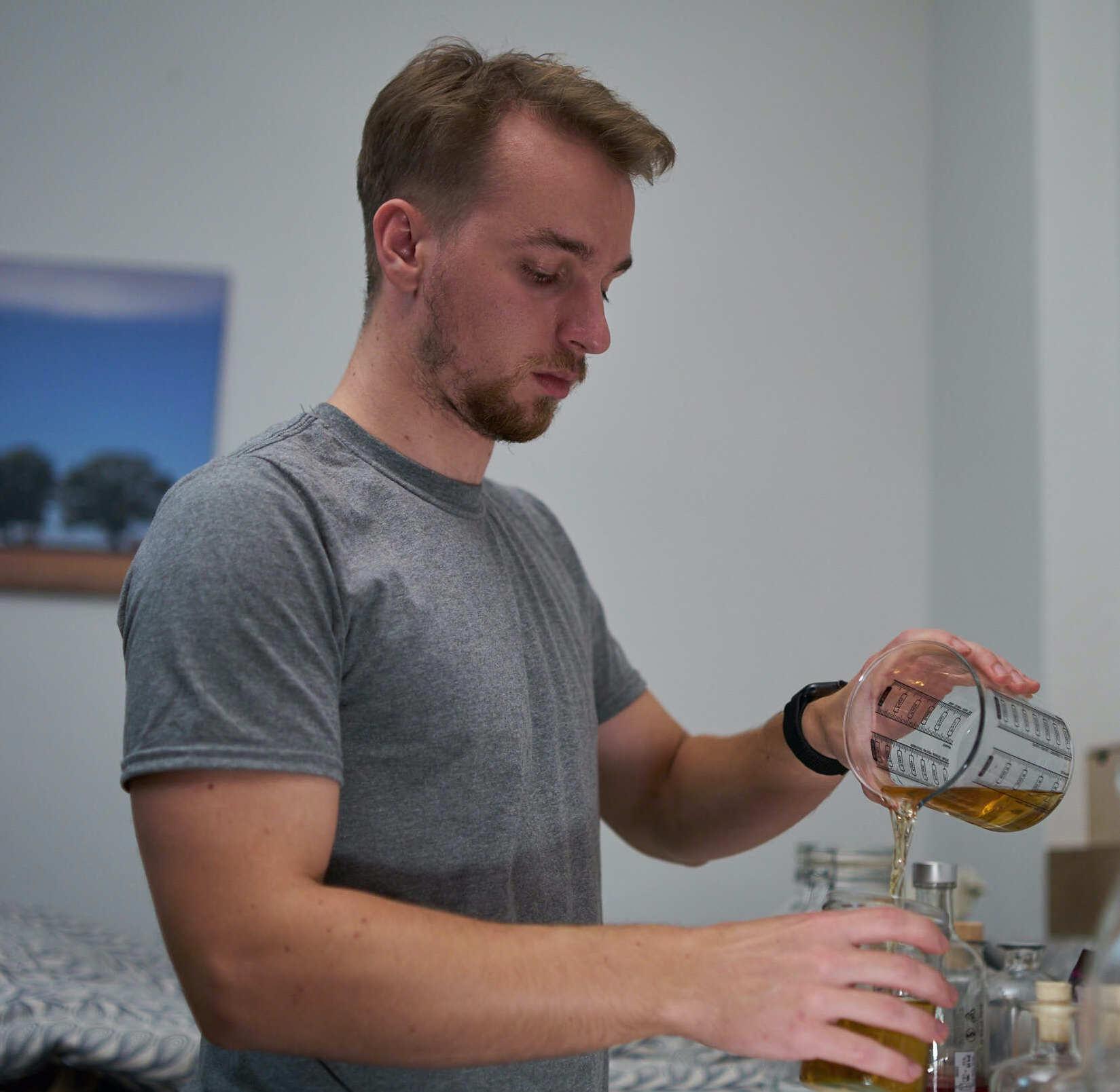 Süffiges Hobby: Gin zuhause herstellen. Foto: Sanberger