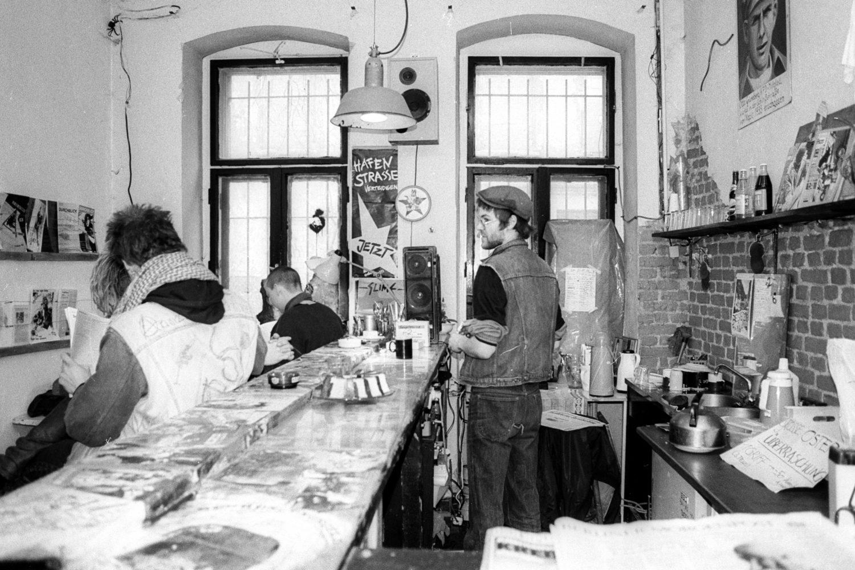 Bar im besetzten Haus in der Marchstraße in Berlin-Charlottenburg. Foto: Imago Images/Ulli Winkler