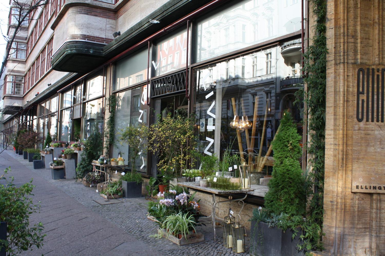 Blumenläden Berlin Bei Florale Welten kann man neben Blumen in allen Farben auch zahlreiche Dekoartikel shoppen.