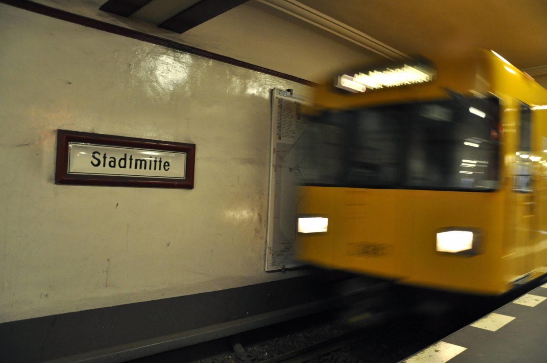 Alfred Grenander hat viele U-Bahnstationen der Linie U2 gestaltet - so auch die Haltestelle Stadtmitte.