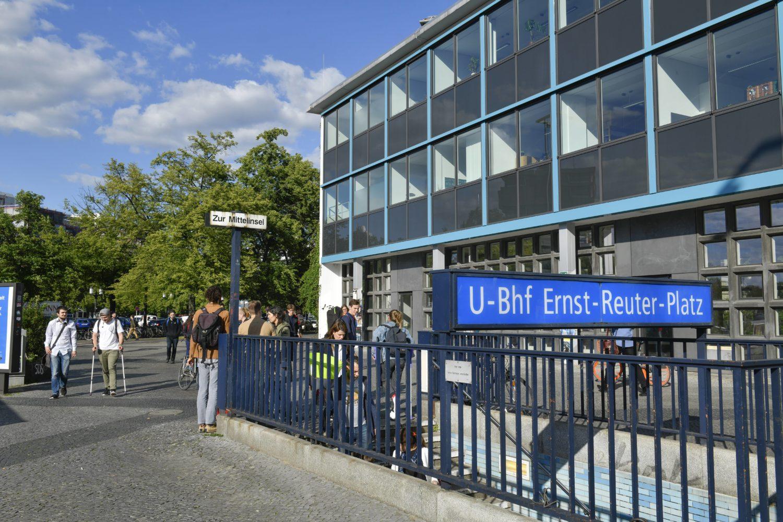 Für Studenten der TU und der UdK ein bekannter U-Bahnhof: Die Haltestelle Ernst-Reuter-Platz.