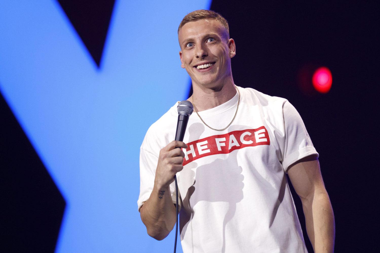 Stand-up-Comedy in Berlin: Einer der Stars ist Felix Lobrecht. Foto: imago images/Christoph Hardt /Future Image