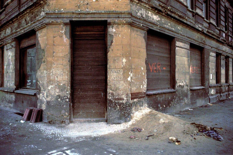 Direkt nach dem Mauerfall standen viele Gewerberäume in Prenzlauer Berg leer. Foto: Imago/Dieter Matthes