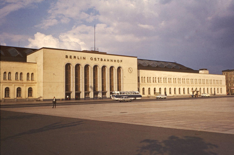 Berlin Ostbahnhof um 1955. Foto: Imago/Serienlicht