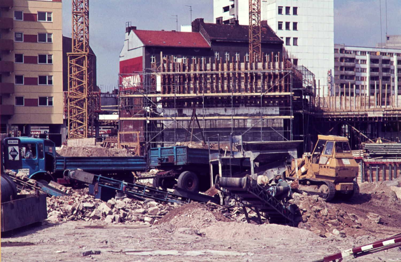 Kreuzberg 1960er: Baustelle am Kottbusser Tor, 1969. Foto: Imago/Serienlicht