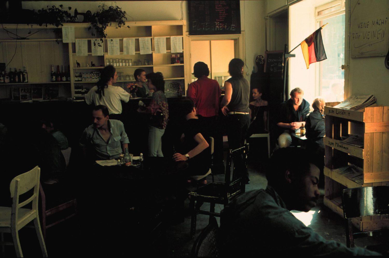 Der Seifenladen, eine Szenekneipe der linken Szene in der Schliemannstraße. Foto: Imago/Rolf Zöllner