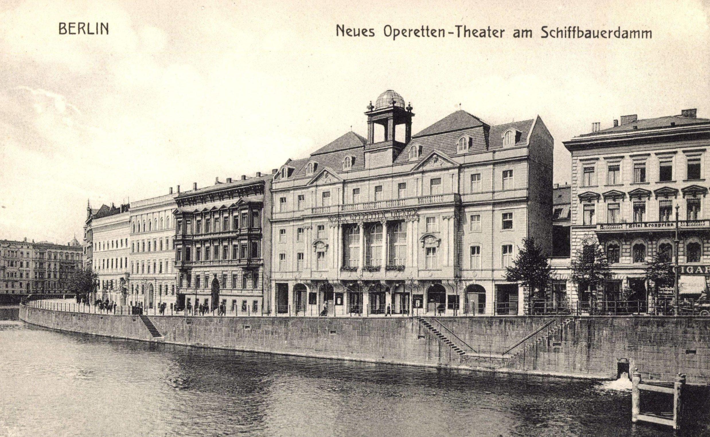Historische Theater in Berlin: Neues Operetten-Theater am Schiffbauerdamm, 1930. Foto: Imago/Arkivi
