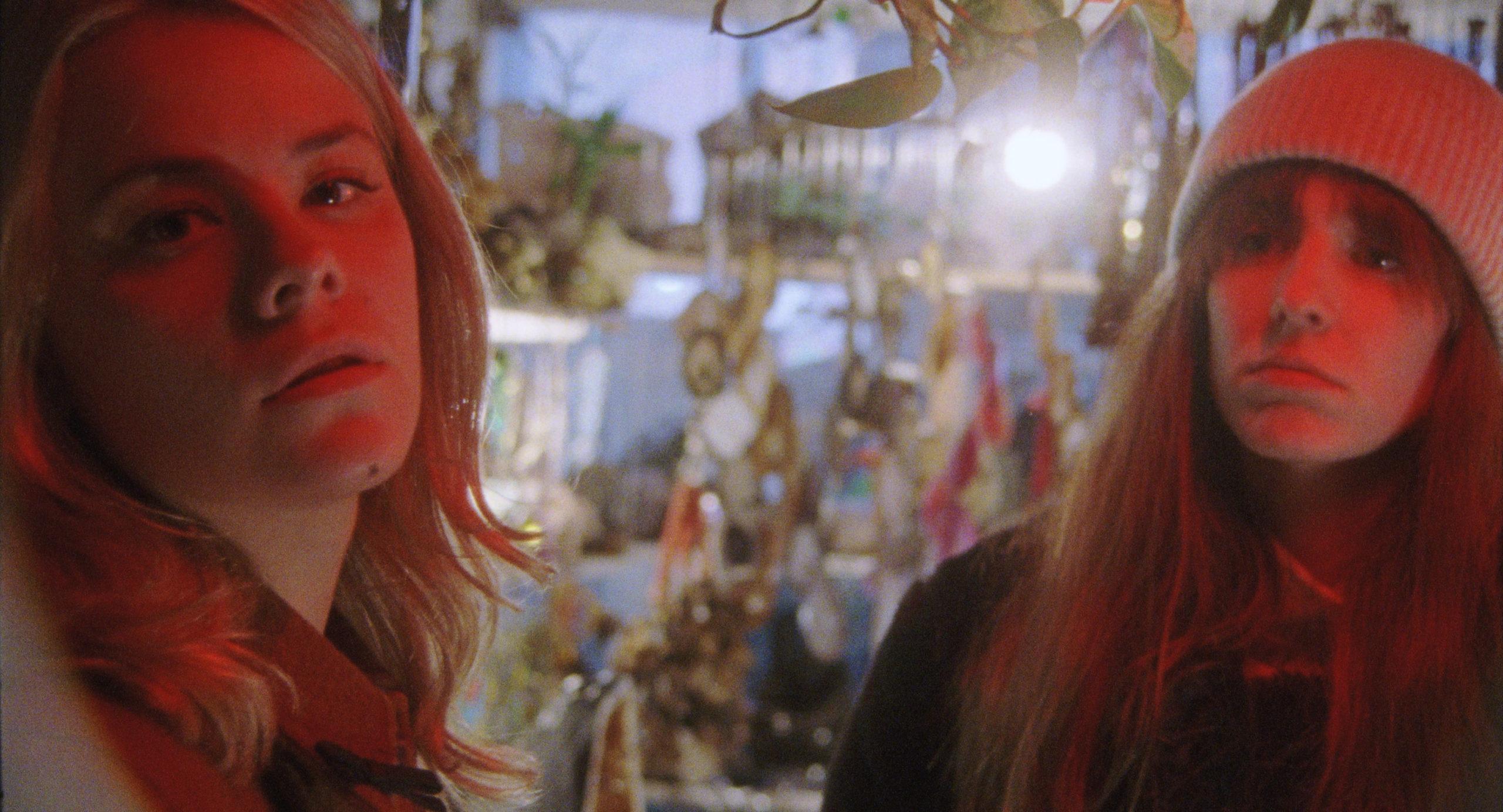 """Dasha Nekrasova und Madeline Quinn sind jetzt """"Uptown Girls"""". Foto: Stag Pictures"""