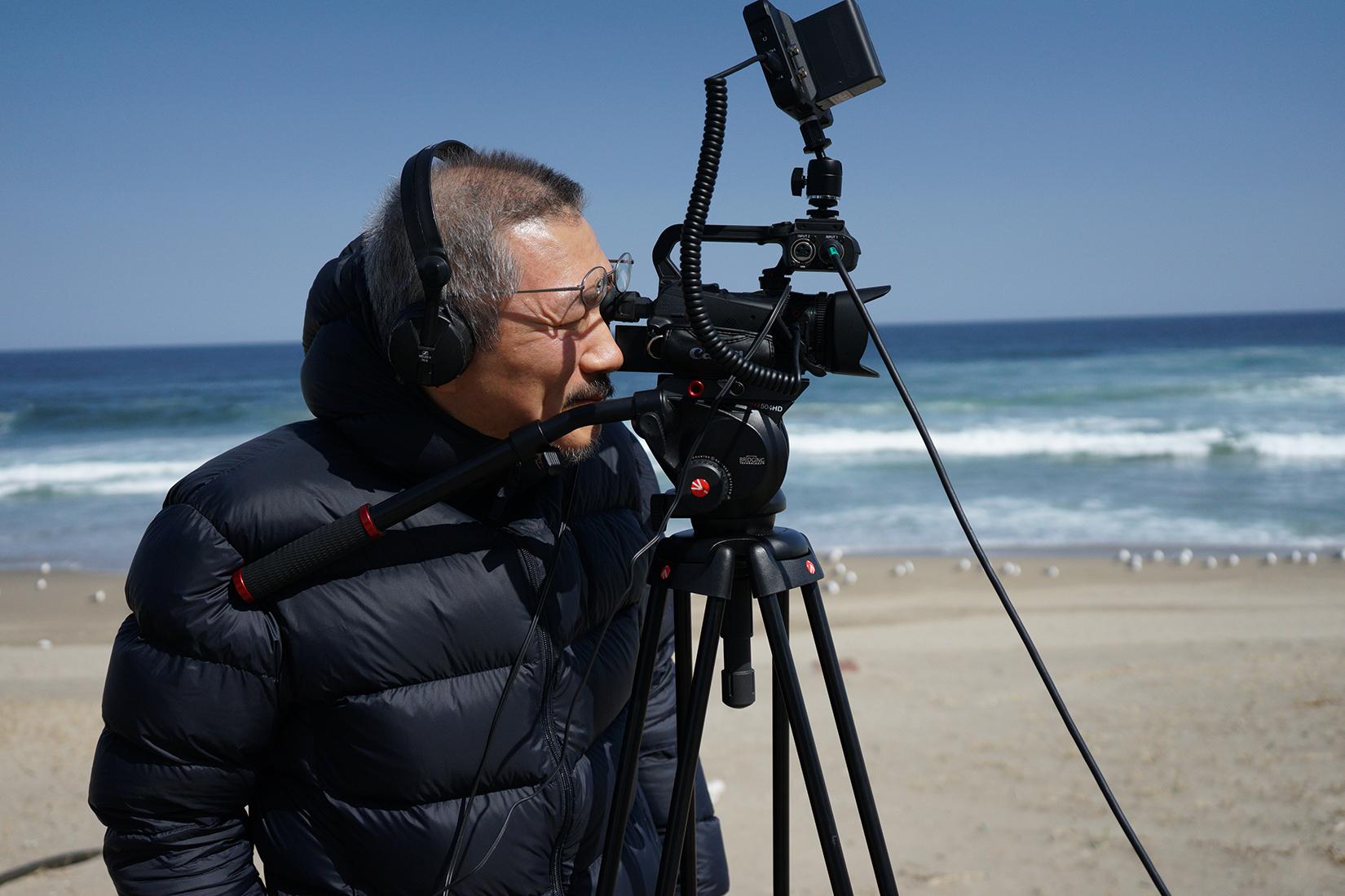 Der koreanische Regisseur Hong Sangsoo liefert der Berlinale 2021 mit seinem Wettbewerbsbeitrag einen schönen Höhepunkt. Foto: Jeonwonsa Film Co.Production