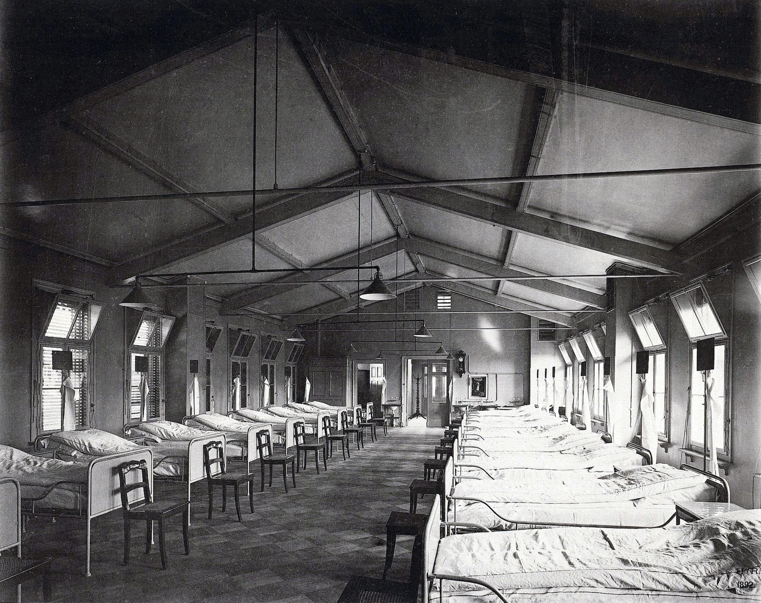 Krankensaal im Institut für Infektionskrankheiten um 1892. Foto: Hermann Rückwardt/Architekturmuseum der Technischen Universität Berlin