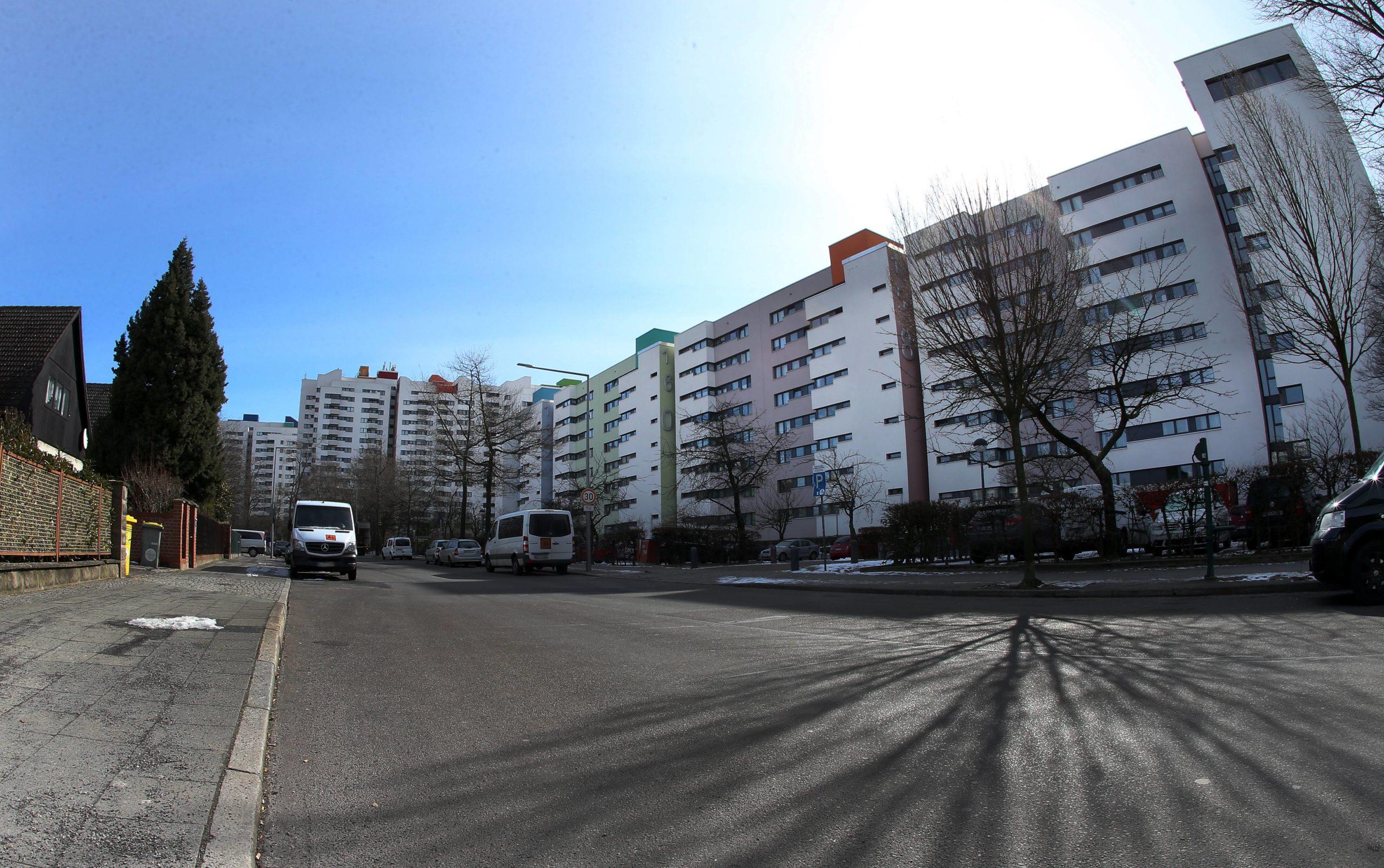 Günstige Wohnungen in Berlin findet ihr beispielsweise im Märkischen Viertel rund um den Dannenwalder Weg. Foto: Imago/Andreas Gora