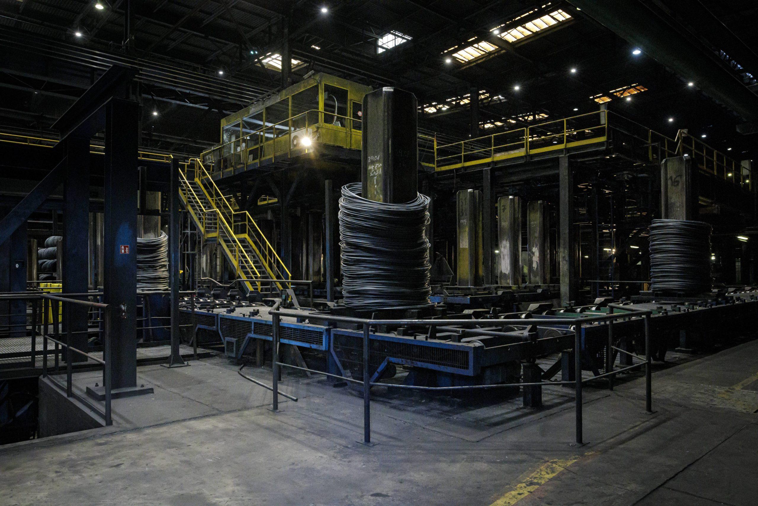 Das Stahlwerk der B.E.S. Brandenburger Elektrostahlwerke GmbH in Brandenburg an der Havel. Foto: Imago/photothek