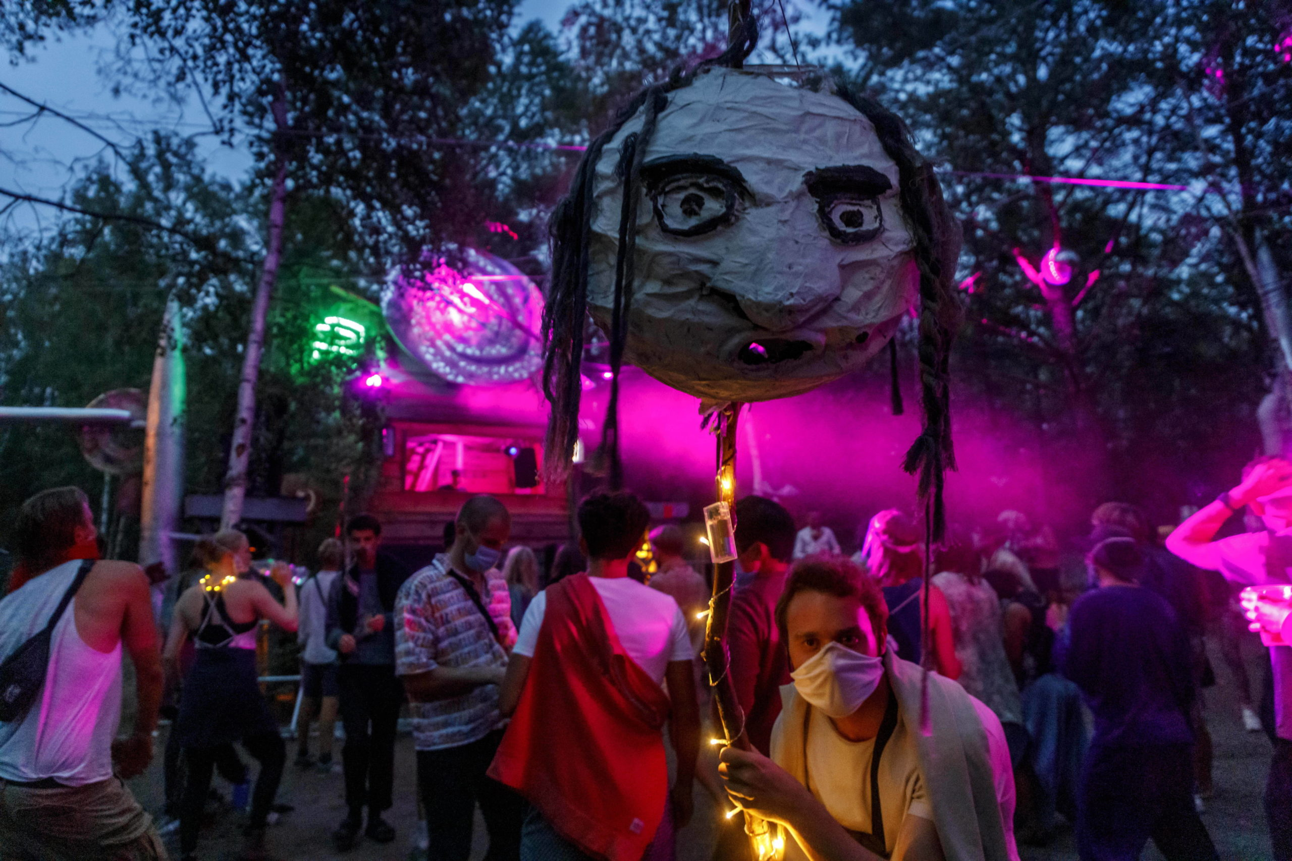 """Festival geht auch bei Pandemie, bewies die """"Milde Möhre"""" im Sommer 2020. Foto: Imago/Rainer Weisflog"""
