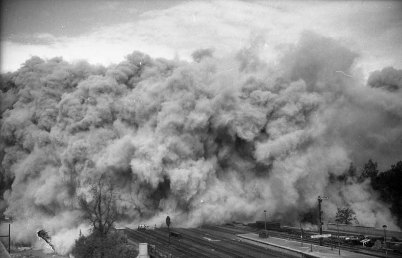 Der Zoobunker wird gesprengt, 1947 Foto: Bundesarchiv/ Bild 183 S 76934