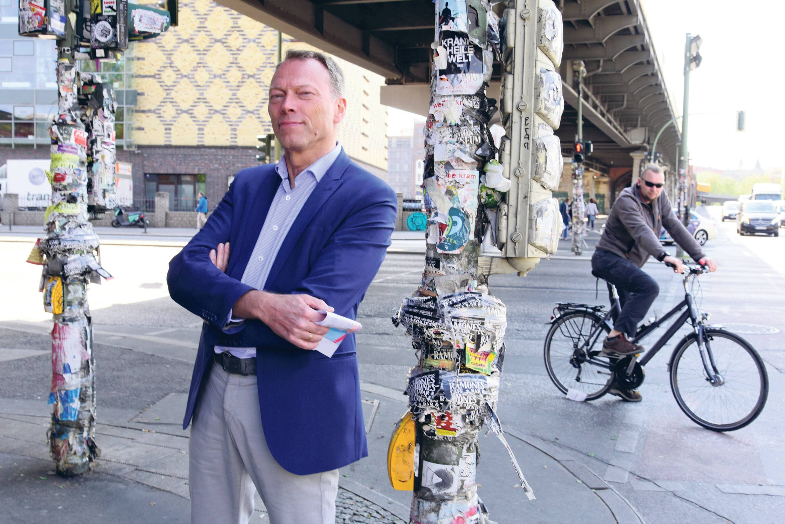 """""""Je mehr Radfahrer auf die Straße kommen, umso aggressiver verteidigt der Autofahrer ,sein' Revier. Der Radfahrer ,seines' natürlich auch"""", sagt Unfallforscher Siegfried Brockmann. Foto: Imago/Tagesspiegel"""