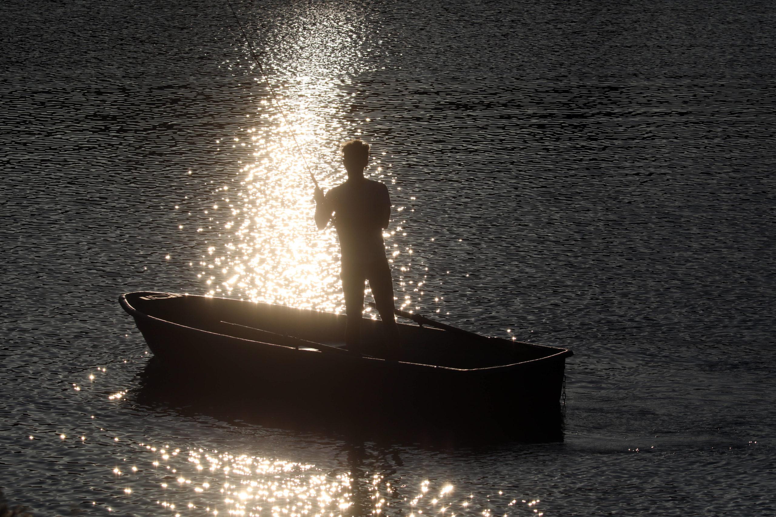 Wannsee Der Angelsport in den letzten Jahren wieder in Mode gekommen. Auch im Wannsee lässt sich Frischfisch fangen.